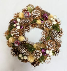 White Snowberry Artificial Wreath